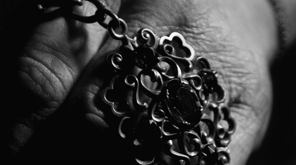 Heirlooms: Janet\'s Aunt\'s Necklace